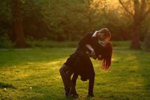 most-romantic-kisses-01